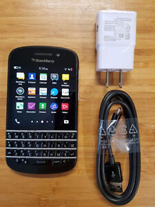 BLACKBERRY Q10 16GB UNLOCKED GOOD CONDITION WITH CHARGER