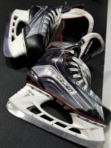 Bauer X900 Senior size 6 D -- like new