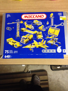 Classic Meccano 640 Piece set New in Package