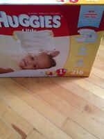 226 Huggies Little Snugglers Size 1 diapers