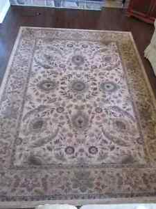 ( ** IN STORAGE **) Rug/Tapis Excellent etat!