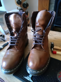 Doc Martin size 9 adults, beautiful condition