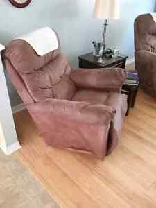 2 beautiful Lazy Boy recliners for sale