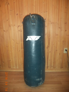 punching bag-sac d'entrainement / Boxing canvas Heavy Bag