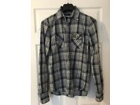 Superdry Mens medium shirt