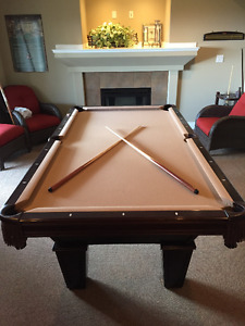 Brunswick 8' Pool/Billiard Table + Full Accessories - $2000
