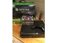 Xbox One 500gb, 1 Controller & 7 Games