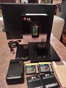 2 x Lg-E900h Windows 7 cell phones -not working - open to offer
