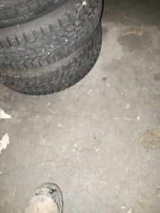 """Dodge neon 15"""" winter tires and rims (5x100)"""