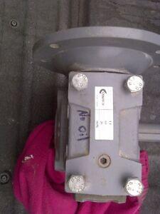 Variable speed 1hp Motor w/gearbox