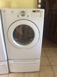 GAS LG DRYER WITH PEDESTAL .FRONT LOAD