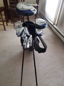 New Golf set with balls for sale!!