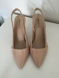Profile cream heel shoes £10