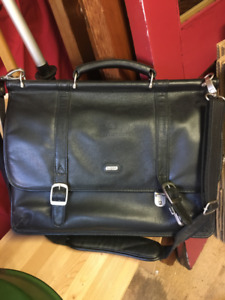 Mallette cuir / Leather briefcase