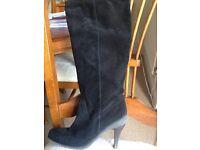 """"""" Bertie"""" ladies suede boots size 7"""