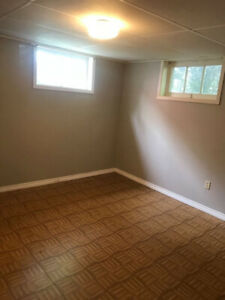 McMaster Student Summer sublet