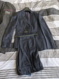 Second Hand Men S Suits Tailoring For Sale In Newcastle Tyne And Wear Gumtree