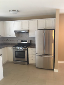 Beautiful 2 bed 2 bath Main Level home in Holly!