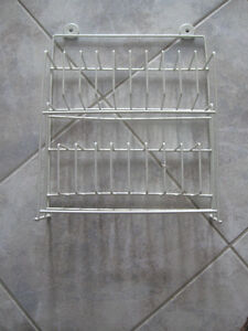METAL-COATED WALL-HANGING CASSETTE-TAPE STORAGE RACK
