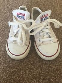 Unisex white converse trainers
