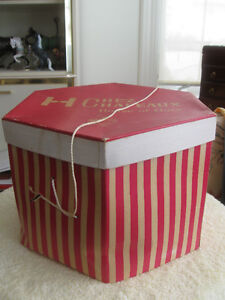 "CHEZ CHAPEAUX...""HOUSE OF HATS""...HAT BOX"