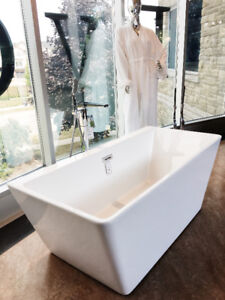 BEAUTIFUL NEW FREESTANDING BATHTUBS !!