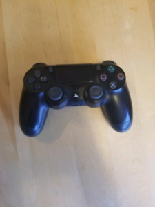 PS4 Dual Shock 4 Controller Like New