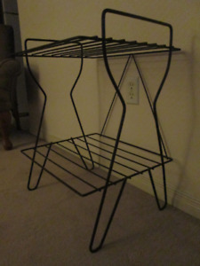 Mid Century Eames Magazine stand hairpin legs