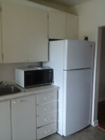 AVAILABLE IMMEDIATELY - 2 Bedroom Apartment in Alexandria