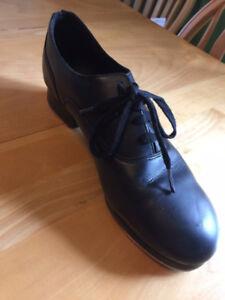 Boy's/Men's Tap Shoes - Size 8W