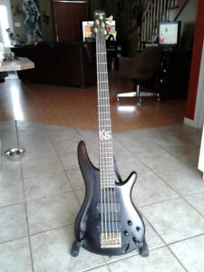 Bass 5 cordes Ibanez K5 ''korn signature''
