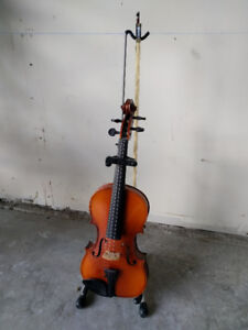 Violin (w case and stand)