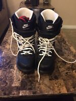Men's Size 8 Nike Snowboard Boots