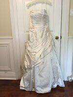 Gorgeous Wedding Gown -Size 10 - Never Worn, Must go!