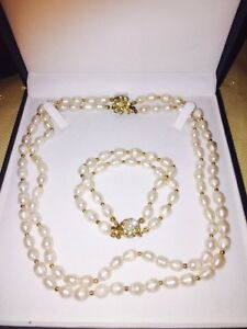 Fresh water seed Pearls necklace & bracelet set
