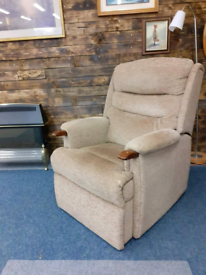 Rise and recline electric Armchair. Excellent condition