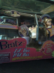 BRATZ VAN BRAND NEW IN BOX LIL BUS