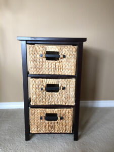 3 drawer side table - $20 excellent condition