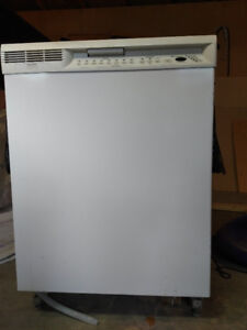 Good condition dishwasher for sale!