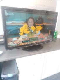 Panasonic 42ins tv