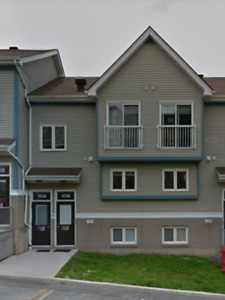 2 Bedroom townhouse condo for rent available 30th of April.