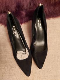 Ladies kurt Geiger carvela Court shoes size 6