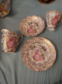 Lubern pink tea set with milk jug and plate