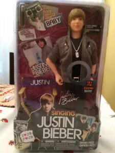 JUSTIN BIEBER doll (NEW IN BOX) Sings Baby