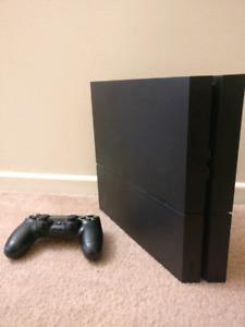 PS4 500 GB BUNDLE W/ 7 GAMES