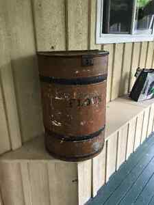 Extra Large Pantry Flour Barrel