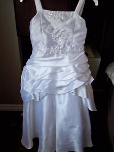 Flower Girl Dress size 8 Never worn Edmonton Edmonton Area image 2