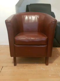 Burgundy leather chair FREE TO COLLECT