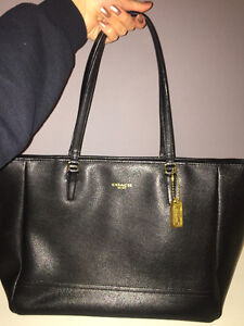 COACH Large Genuine Black Leather Tote bag with gold details