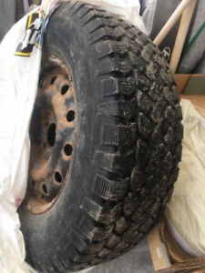 Winter tires w/rim for sale (Santa Fe 235/70R16)